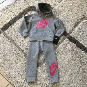Nike Toddler Girls!